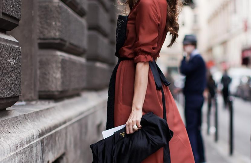 женская польская одежда алый цвет