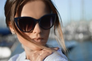 female-woman-sunglass